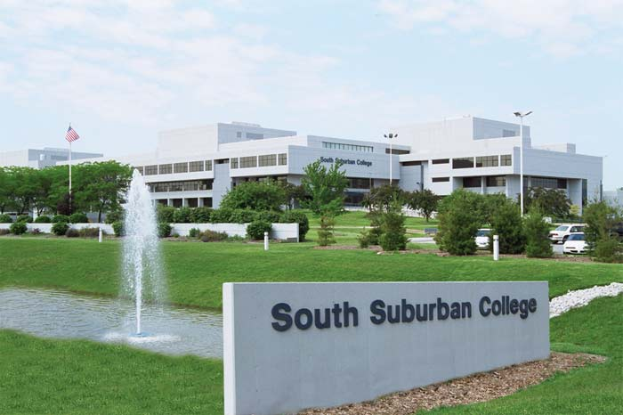 South Suburban College Seeks Vendors for Annual Women's Conference