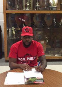 Erick Locke, of the South Suburban College Men's Basketball Team, signed a letter of intent with University of Central Missouri