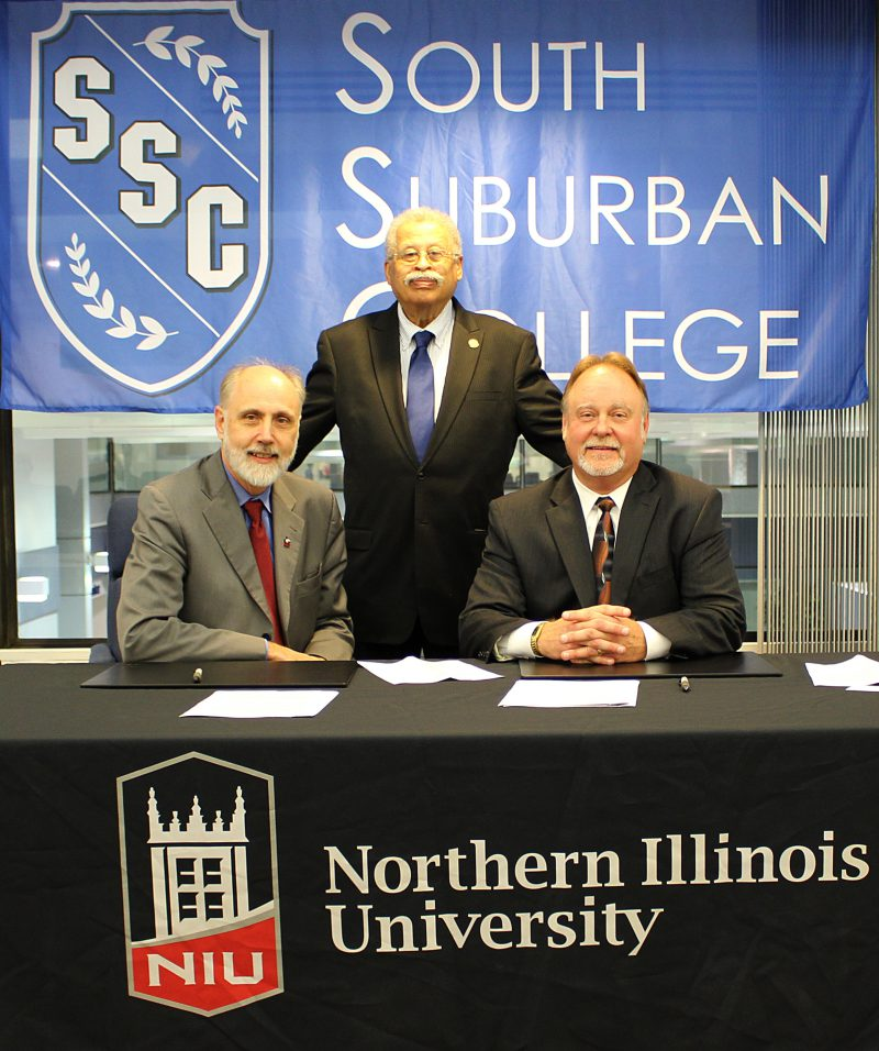 http://www.ssc.edu/wp-content/uploads/2016/10/8.-Signing_NIU-President-Dr.-Doug-Baker-left-NIU-Trustee-Robert-Marshall-middle-and-SSC-President-Don-Manning-right.-e1477079616836.jpg?x91197